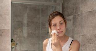 Yüzdeki cilt lekeleri nasıl geçer? Evde doğal ve bitkisel yöntemlerle Cilt lekeleri için krem, maske, serum ve beslenme önerileri